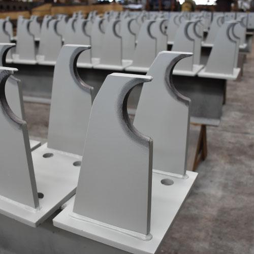 Fabricación e instalación de parapetos de acero